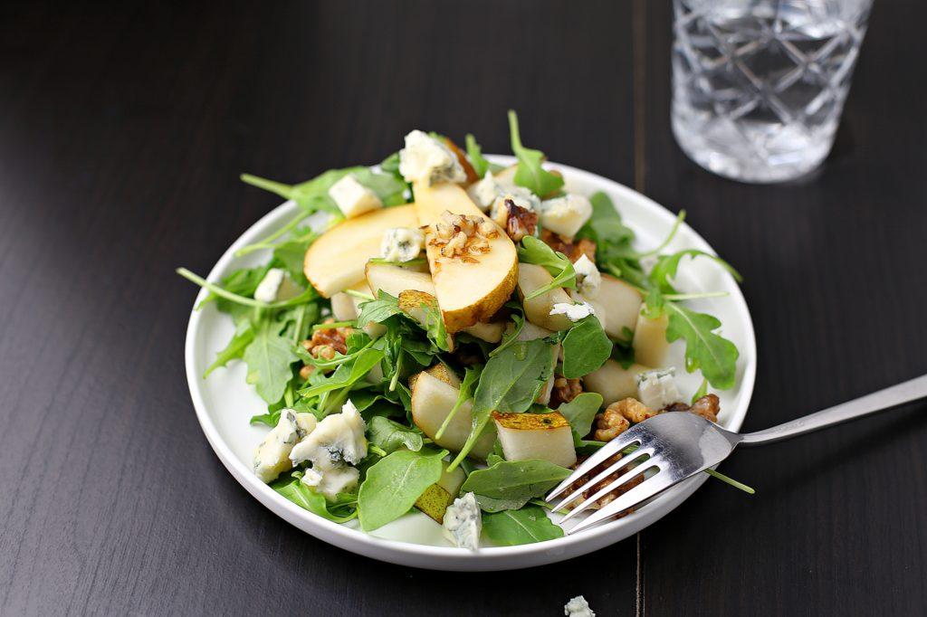 birnen gorgonzola salat mit waln ssen marisa 39 s table. Black Bedroom Furniture Sets. Home Design Ideas